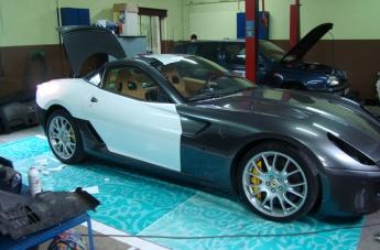Oklejanie Ferrari 599 - w trakcie - 1