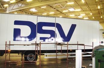 Oklejanie pojazdów - DSV - 2